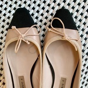 Zara neutral toe tipped flats